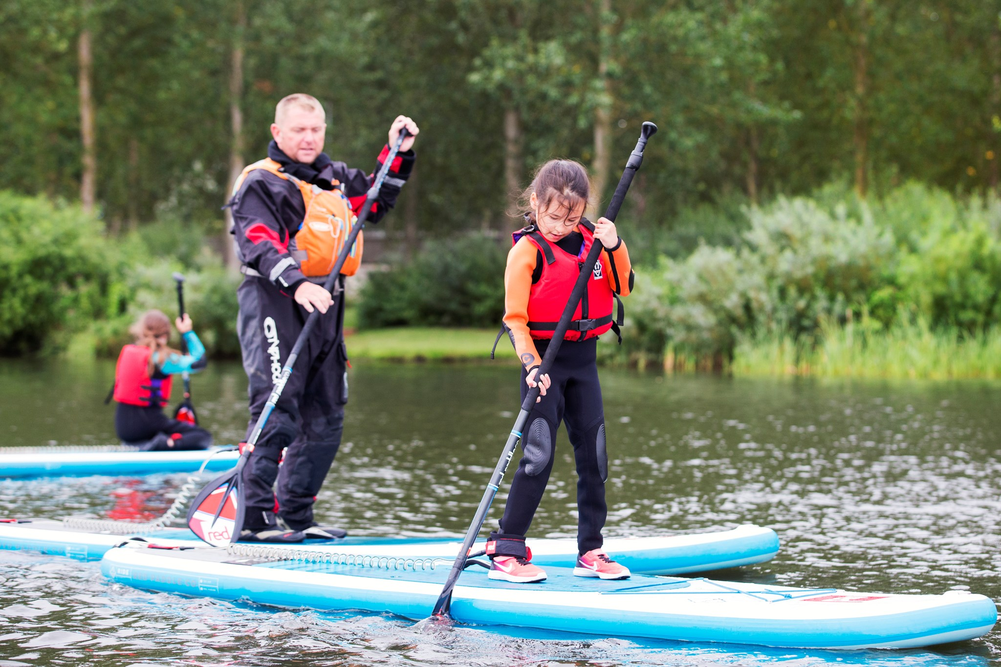 paddle-boarding-willen-lake-instructor.jpg