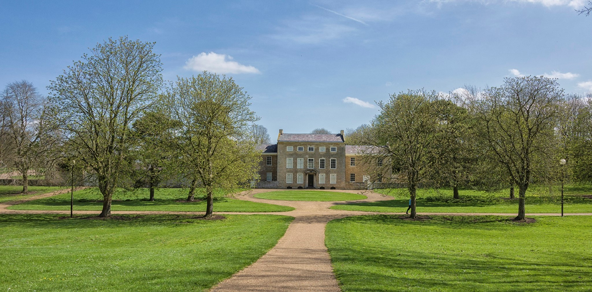 GLMP View of the Manor house across the Park rs.jpg