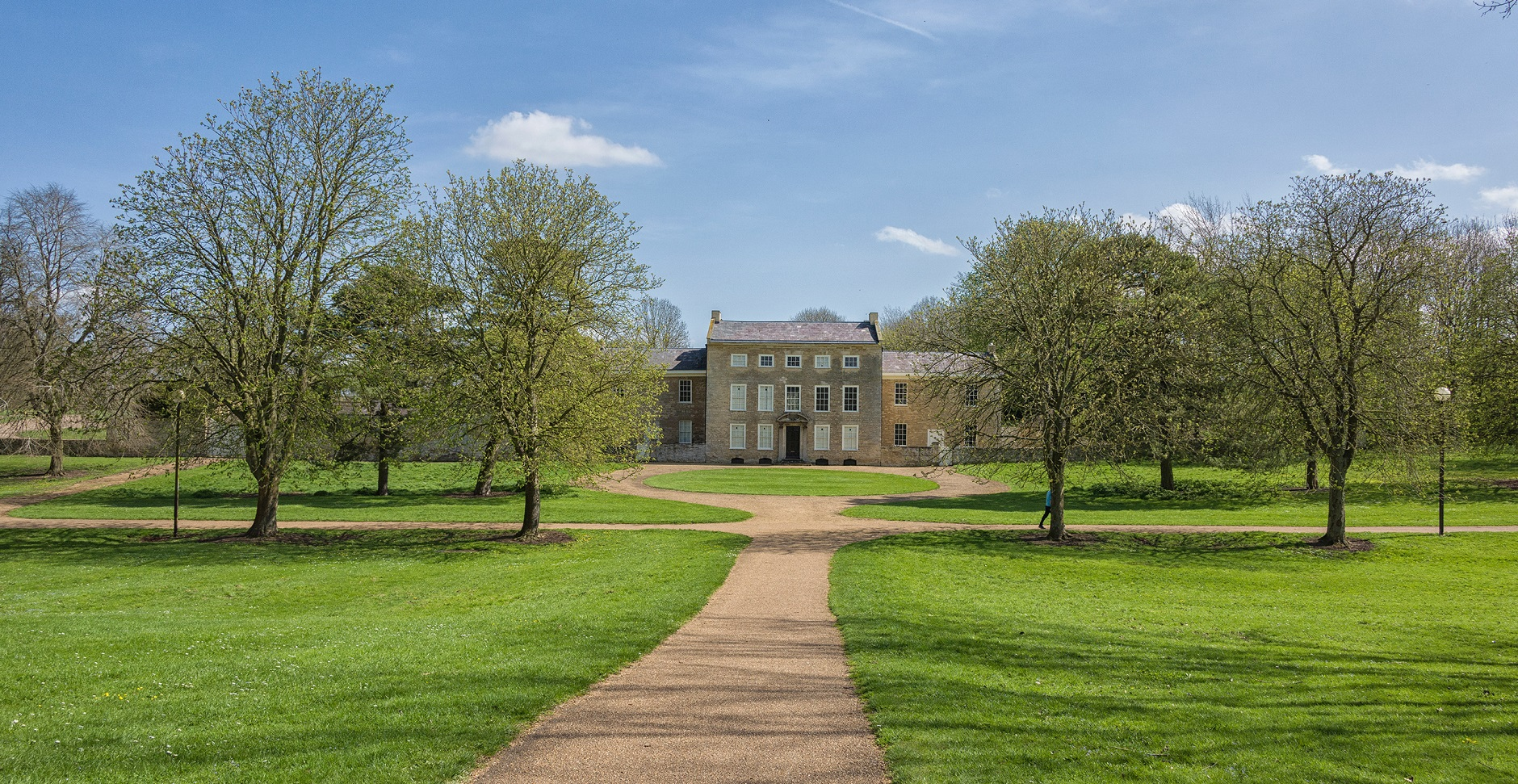 D81_2697-Manor-house-in-Manor-Park BANNER.jpg